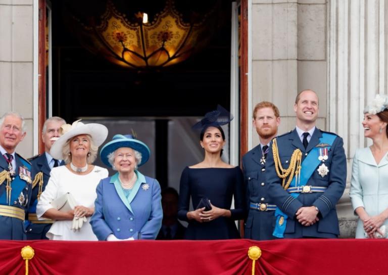 Η φωτογράφηση της βασιλικής οικογένειας για τα γενέθλια του πρίγκιπα Κάρολου δεν είναι σαν όλες τις άλλες! | Newsit.gr