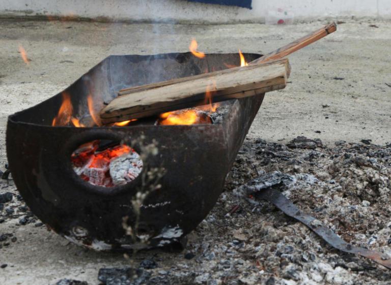 Φωτιά με έναν νεκρό κοντά στο στρατόπεδο Καποτά | Newsit.gr