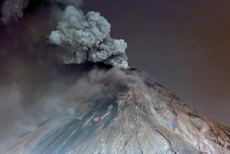 Λήξη συναγερμού για το ηφαίστειο Φουέγο στη Γουατεμάλα | Newsit.gr