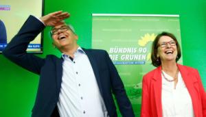 """Δημοσκόπηση στη Γερμανία: """"Καλπάζουν"""" οι Πράσινοι"""