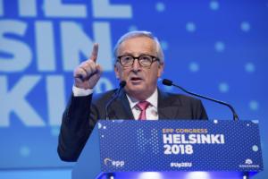 Γιούνκερ: Δεν βρισκόμαστε σε πόλεμο με την Ιταλία!