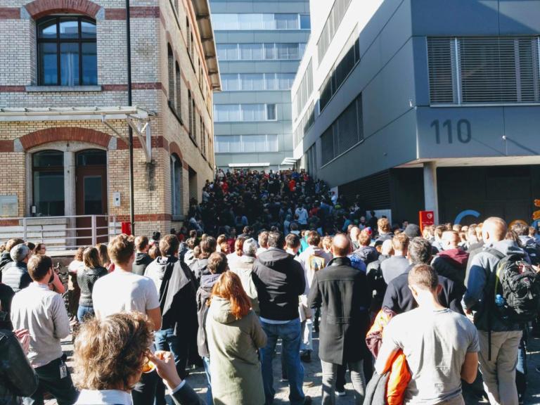 Google: Άνευ προηγουμένου αντιδράσεις των εργαζομένων με στάσεις εργασίας σε όλο τον κόσμο! | Newsit.gr