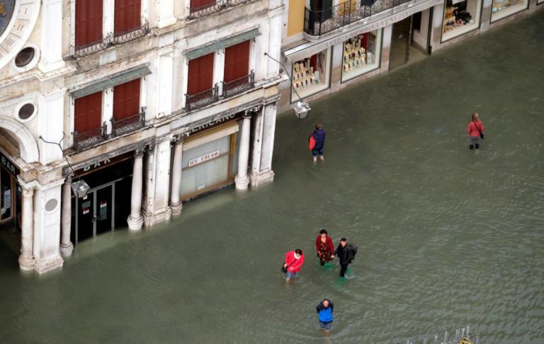 Πλημμύρες στη Σικελία: Εννιαμελής οικογένεια πνίγηκε μέσα στο σπίτι της! Συνολικά 10 οι νεκροί | Newsit.gr