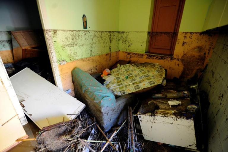 Ιταλία: Κατεδαφιστέο από το 2008 το σπίτι στην Σικελία όπου πνίγηκε 9μελής οικογένεια – video | Newsit.gr