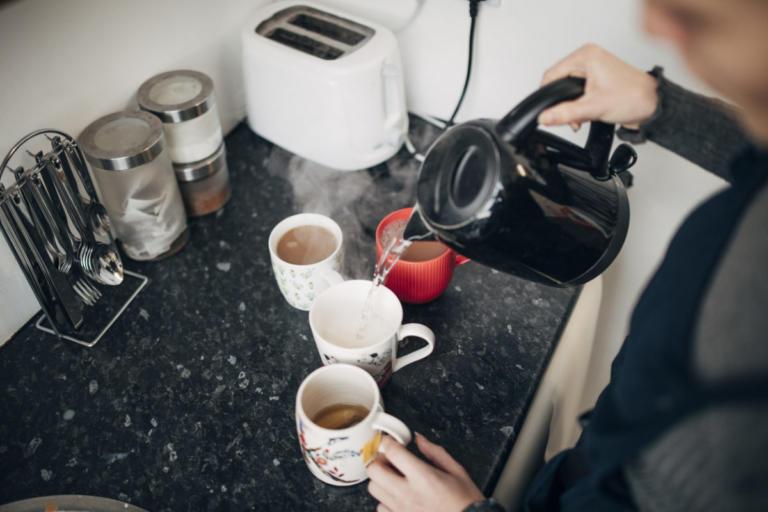 Γιατί να ΜΗΝ φτιάχνετε καφέ στην κουζίνα των γραφείων, όταν είστε στη δουλειά…   Newsit.gr