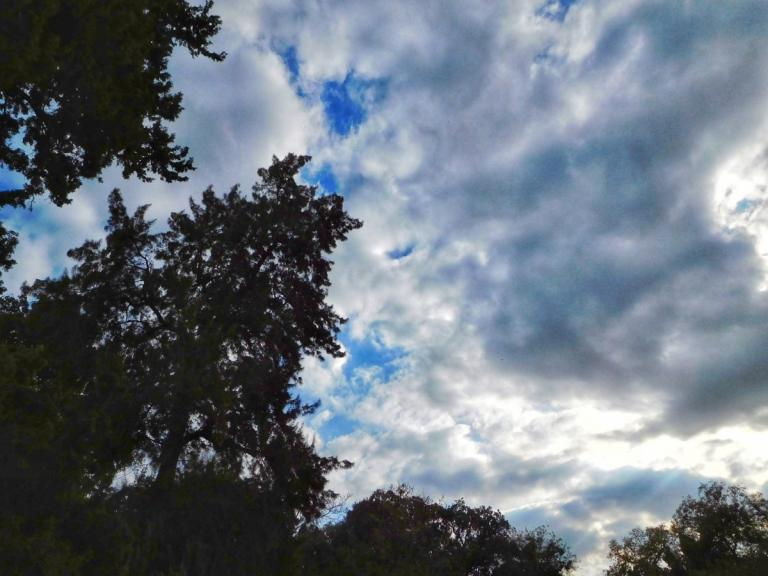 Καιρός: Κυριακή με συννεφιές και τοπικές βροχές – Αναλυτική πρόγνωση | Newsit.gr