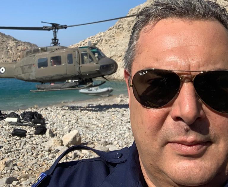 Δεν χάνει ευκαιρία για selfie ο Καμμένος – Γιατί βρέθηκε στη βραχονησίδα Σύρνα | Newsit.gr
