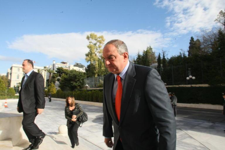 Στη Μύκονο ο Κώστας Καραμανλής για το μνημόσυνο της μητέρας του | Newsit.gr