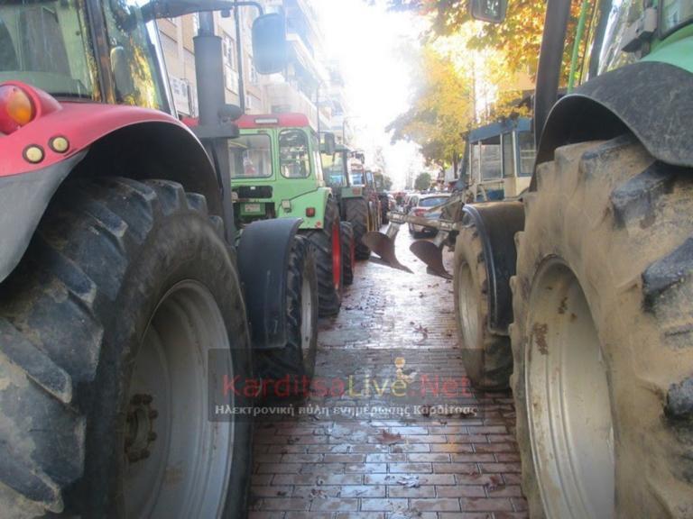 Καρδίτσα: Αγροκτηνοτροφικό συλλαλητήριο με τρακτέρ στην κεντρική πλατεία – video | Newsit.gr
