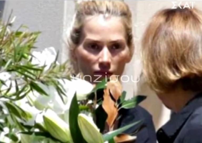 Έγινε η κηδεία του Γιάννη Μακρή στην Αυστραλία – Συντετριμμένη η Βικτώρια Καρύδα
