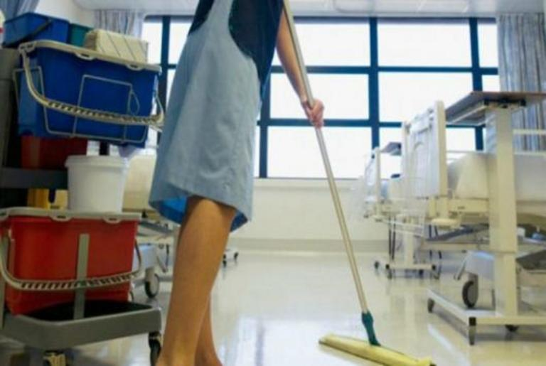 Βόλος: Η άγνωστη ζωή της καθαρίστριας που βρέθηκε στη φυλακή για πλαστό απολυτήριο δημοτικού – Βασανισμένη από παιδί! | Newsit.gr