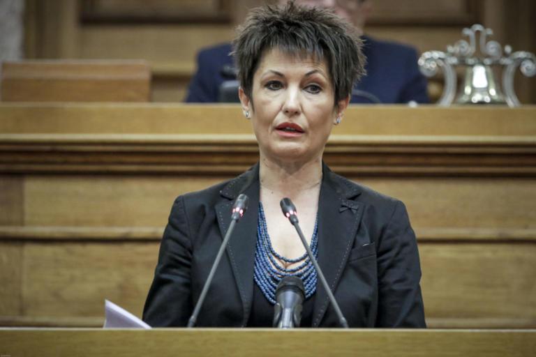 Αποστάσεις Καββαδία για την ενός λεπτού σιγή για τον Κατσίφα στη Βουλή | Newsit.gr