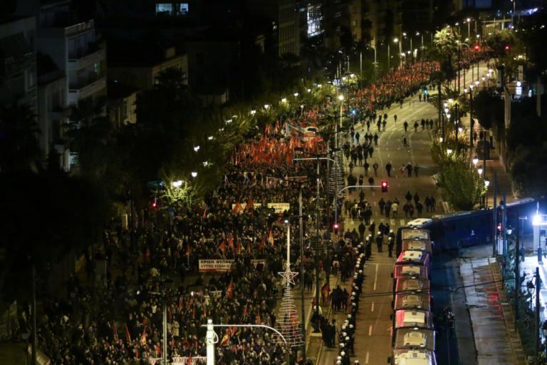 Πολυτεχνείο: Μαζική συμμετοχή στις πορείες για την 45η επέτειο της εξέγερσης [pics] | Newsit.gr