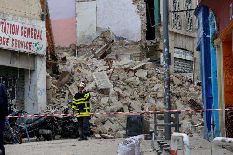 Εικόνες σοκ: Κατέρρευσαν δυο κτίρια στο κέντρο της Μασσαλίας – video | Newsit.gr
