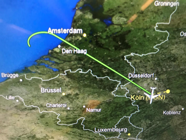 Μέρκελ: Απίστευτο αλαλούμ αποκάλυψε η αναγκαστική προσγείωση στο αεροπλάνο | Newsit.gr