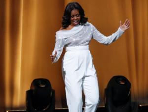 Μισέλ Ομπάμα… for President! Σαρώνει με το νέο της βιβλίο!