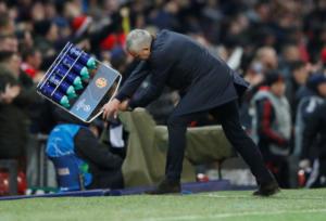 "Champions League: ""Τρελάθηκε"" ο Μουρίνιο στο γκολ του Φελαϊνί! [vids, pics]"