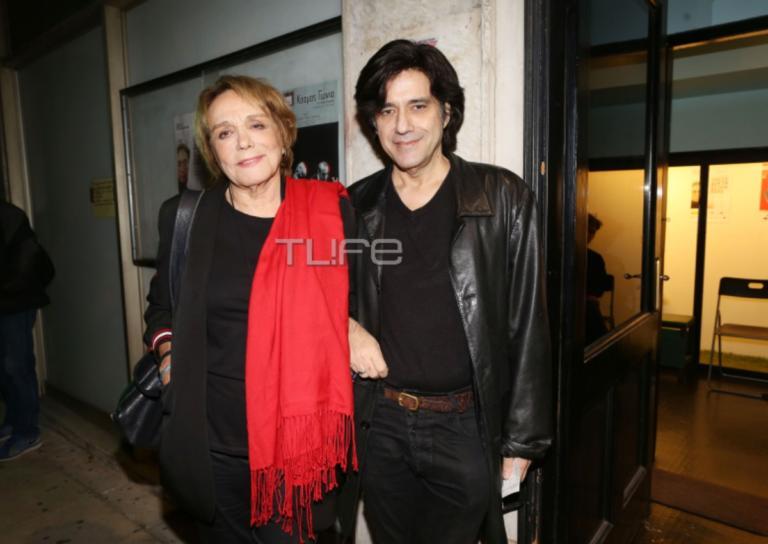 Μπέτυ Αρβανίτη: Σπάνια εμφάνιση με τον γιο της και την νύφη της![pics] | Newsit.gr