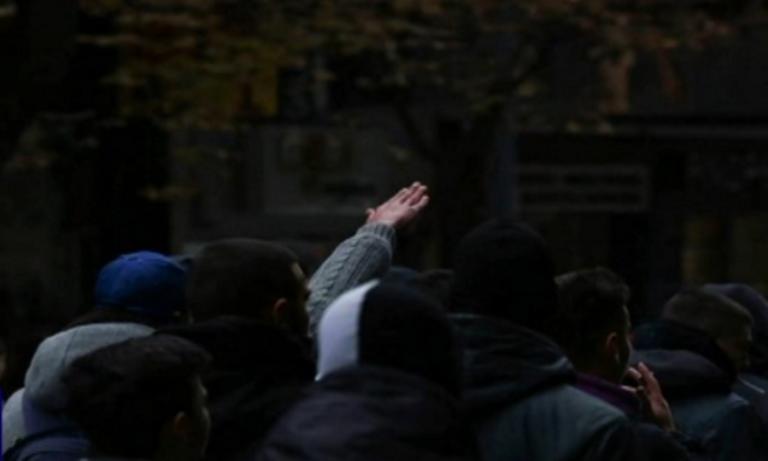 Νεαρός χαιρετάει ναζιστικά στο συλλαλητήριο για τη Μακεδονία – video