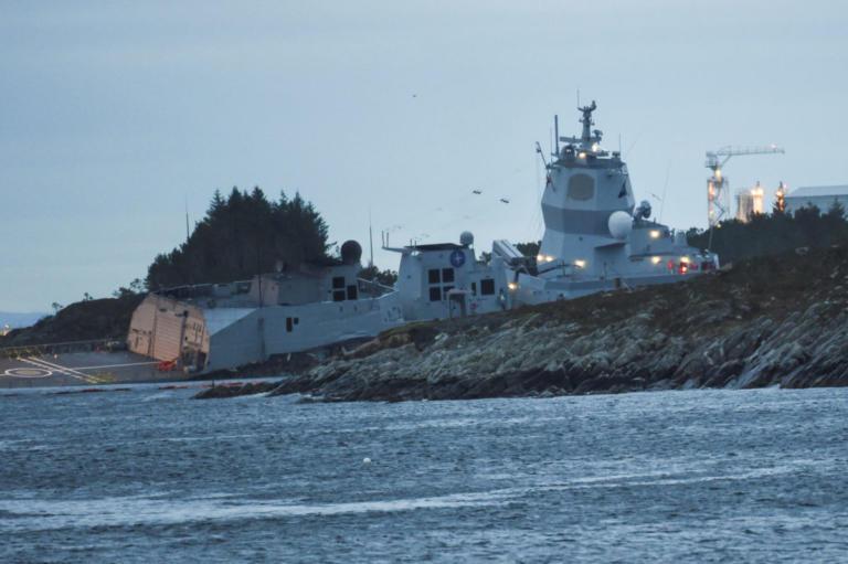 """Νορβηγία: """"Μάχη"""" για να μην βυθιστεί η φρεγάτα που συγκρούστηκε με ελληνόκτητο τάνκερ – video   Newsit.gr"""