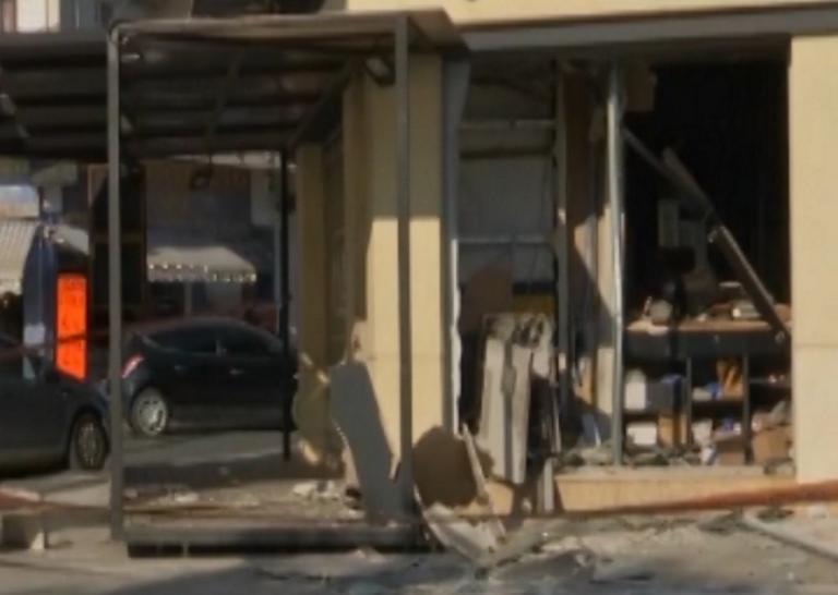 Παιανία: Ισοπεδώθηκε κατάστημα από έκρηξη σε ATM! video, pics | Newsit.gr