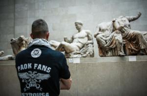 Η φωτογραφία του ΠΑΟΚτσή στα Ελγίνεια που έγινε viral! [pic]
