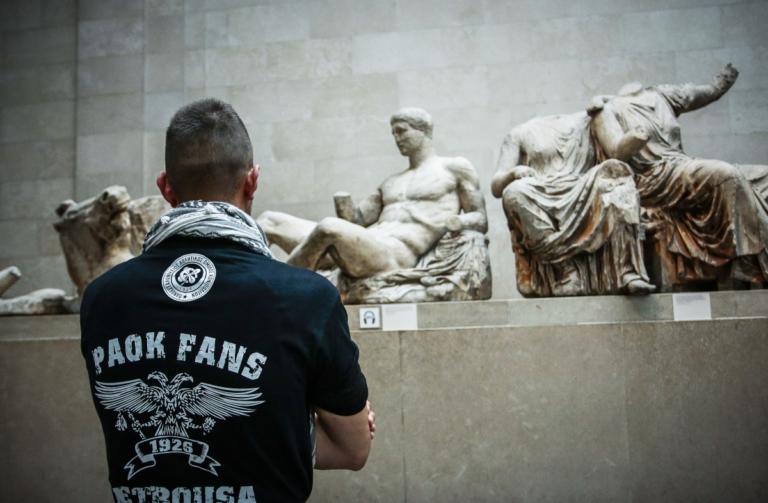 Η φωτογραφία του ΠΑΟΚτσή στα Ελγίνεια που έγινε viral! [pic] | Newsit.gr
