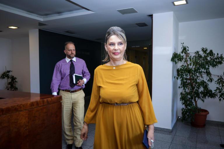 Κατερίνα Παπακώστα: Κάποιοι αρνούνται να διαβούν τον Ρουβίκωνα | Newsit.gr