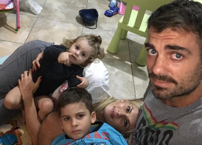 Όλγα Πηλιάκη: Η selfie με τον Στέλιο Χανταμπάκη λίγο πριν μπει στο Nomads! | Newsit.gr
