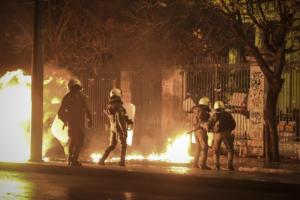 """Στην """"αντεπίθεση"""" ο Ρουβίκωνας: Η αστυνομία έβγαλε το άχτι της πάνω μας, δεν μας κάμπτουν"""