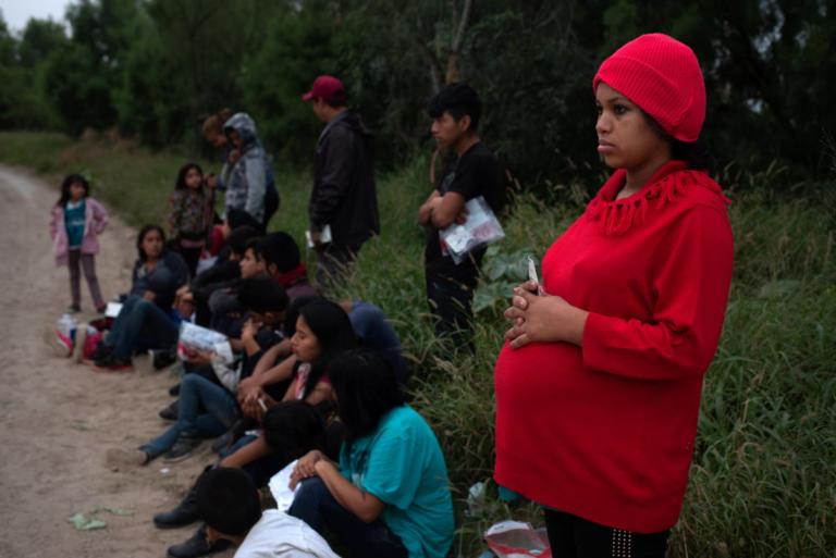 Μεξικό: Συνεχίζει την πορεία του προς τις ΗΠΑ το καραβάνι μεταναστών | Newsit.gr