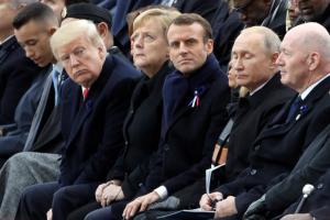 100 χρόνια από το τέλος του Α' Παγκοσμίου Πολέμου: Θερμή χειραψία Τραμπ – Πούτιν – video
