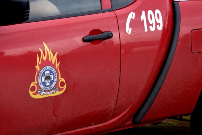 Κρήτη: Ύποπτη φωτιά σε πάρκινγκ στην Ιεράπετρα | Newsit.gr