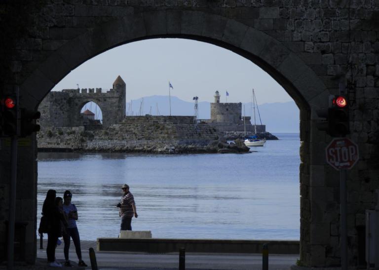 Ρόδος: Μπλακ άουτ σε ολόκληρο το νησί – Το διπλό πρόβλημα που οδήγησε στη διακοπή ρεύματος!   Newsit.gr