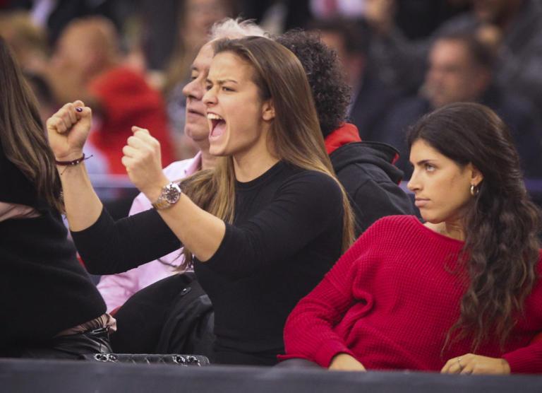 Ολυμπιακός – Ρεάλ: Στο ΣΕΦ η Σάκκαρη! Πανηγύρισε έξαλλα την «ερυθρόλευκη» νίκη [pics]