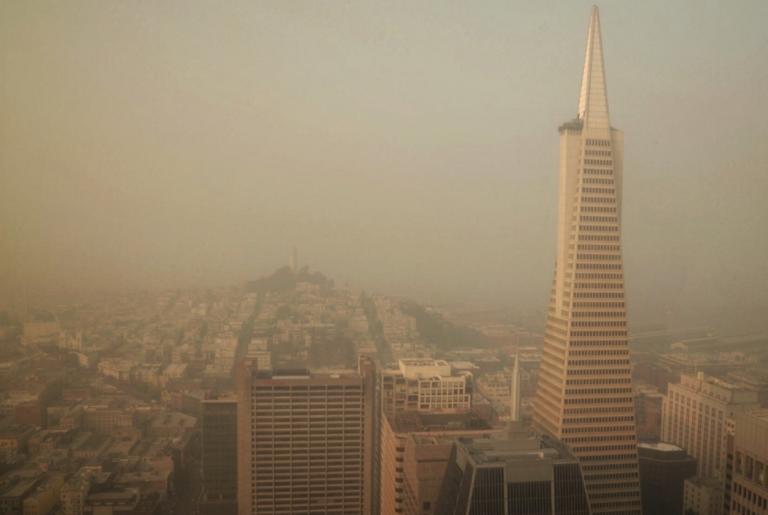 Καλιφόρνια: Οι καπνοί της φωτιάς «πνίγουν» το Σαν Φρανσίσκο! Συγκλονιστικές εικόνες
