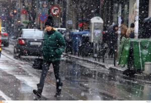 Καιρός: Παγωμένη Παρασκευή με χιόνια και βροχές!