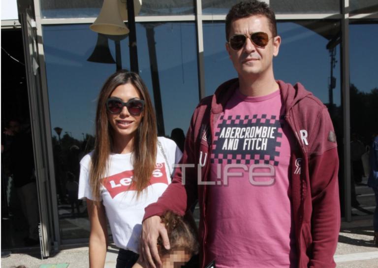 Αντώνης Σρόιτερ – Ιωάννα Μπούκη: Οικογενειακή βόλτα με τις κόρες τους στο Παλαιό Φάληρο! | Newsit.gr