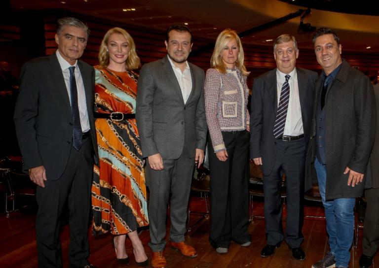 Νίκος Ευαγγελάτος – Τατιάνα Στεφανίδου: Μαζί στο ετήσιο Γκαλά Βράβευσης των Καλύτερων Μαραθωνοδρόμων 2018! | Newsit.gr