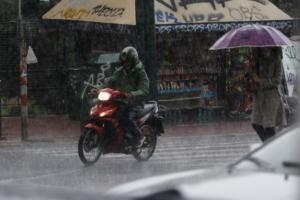 Καιρός: Χειμώνας κανονικός με βροχές, καταιγίδες και έκτακτο δελτίο επιδείνωσης!