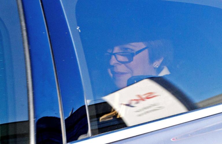 Λείπουν 6 υπογραφές για την μομφή κατά της Τερέζα Μέι | Newsit.gr