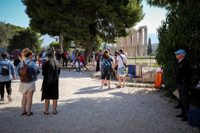Ο τουρισμός έριξε την ανεργία κάτω από το 19%   Newsit.gr