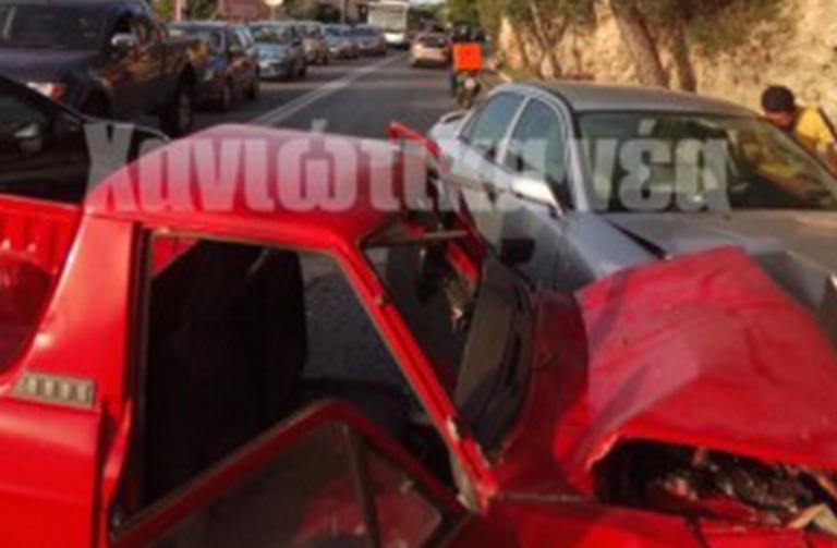 Χανιά: Τροχαίο στην οδό Κωνσταντίνου Μητσοτάκη – Στο νοσοκομείο οι τρεις τραυματίες [pics] | Newsit.gr