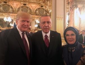 Χαμόγελα και… αγκαλιές Τραμπ και Ερντογάν με Μακρόν και Μέρκελ [pics]