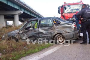 Φθιώτιδα: Αυτοκίνητο καρφώθηκε πίσω από φορτηγό! Στο νοσοκομείο ο οδηγός