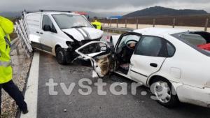 Ένας νεκρός σε μετωπική σύγκρουση αυτοκινήτων στη Φθιώτιδα