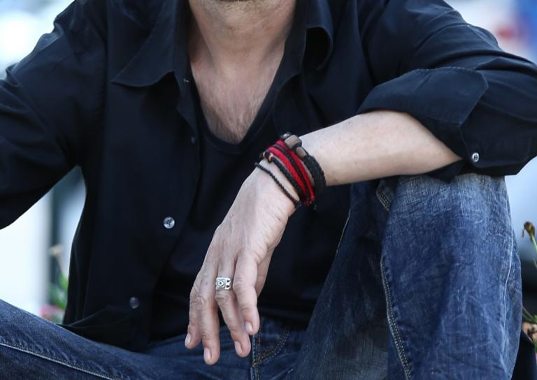 Σοκάρει γνωστός Έλληνας τραγουδιστής: «Κάπνιζα πέντε πακέτα τσιγάρα κι έπινα δύο μπουκάλια ουίσκι την ημέρα» | Newsit.gr