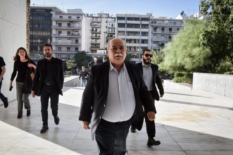 Οργή Βούτση για τα περί αναδρομικών των βουλευτών – «Ανοησίες και επιστημονικό κατασκεύασμα» | Newsit.gr
