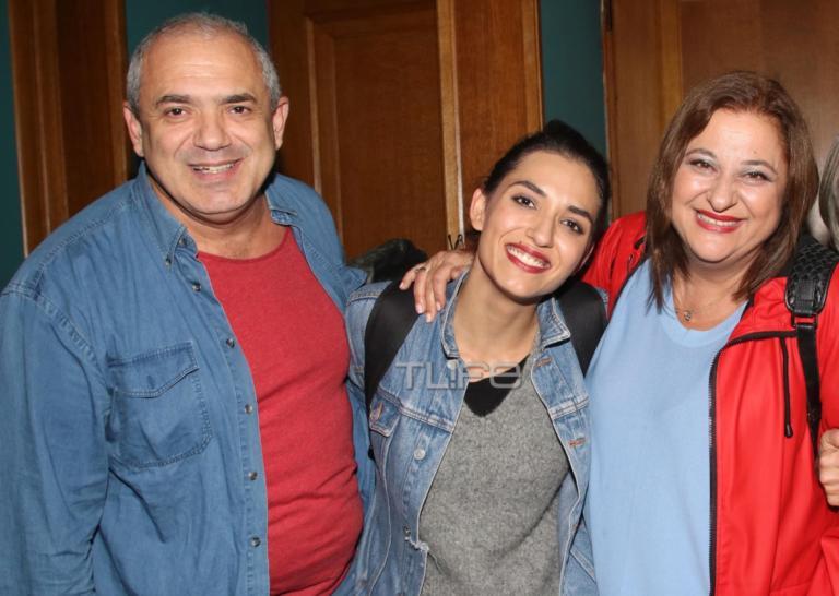Ελισάβετ Κωνσταντινίδου – Ταξιάρχης Χάνος: Στην πρεμιέρα της κόρης τους, Μαρίας Χάνου που πρωταγωνιστεί στη Μουρμούρα [pics] | Newsit.gr