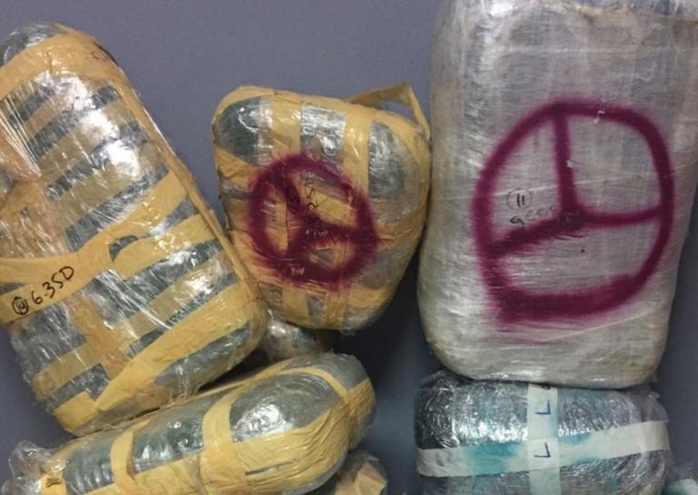 Γιάννενα: Το λεωφορείο από την Αλβανία έκρυβε μέσα αυτές τις εικόνες – Χειροπέδες στον οδηγό του [pics]
